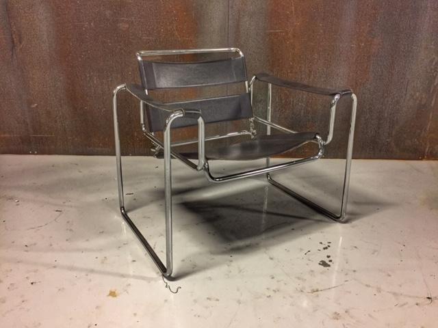 Breuer wasilly stoel over de datum for Bauhaus stoel leer